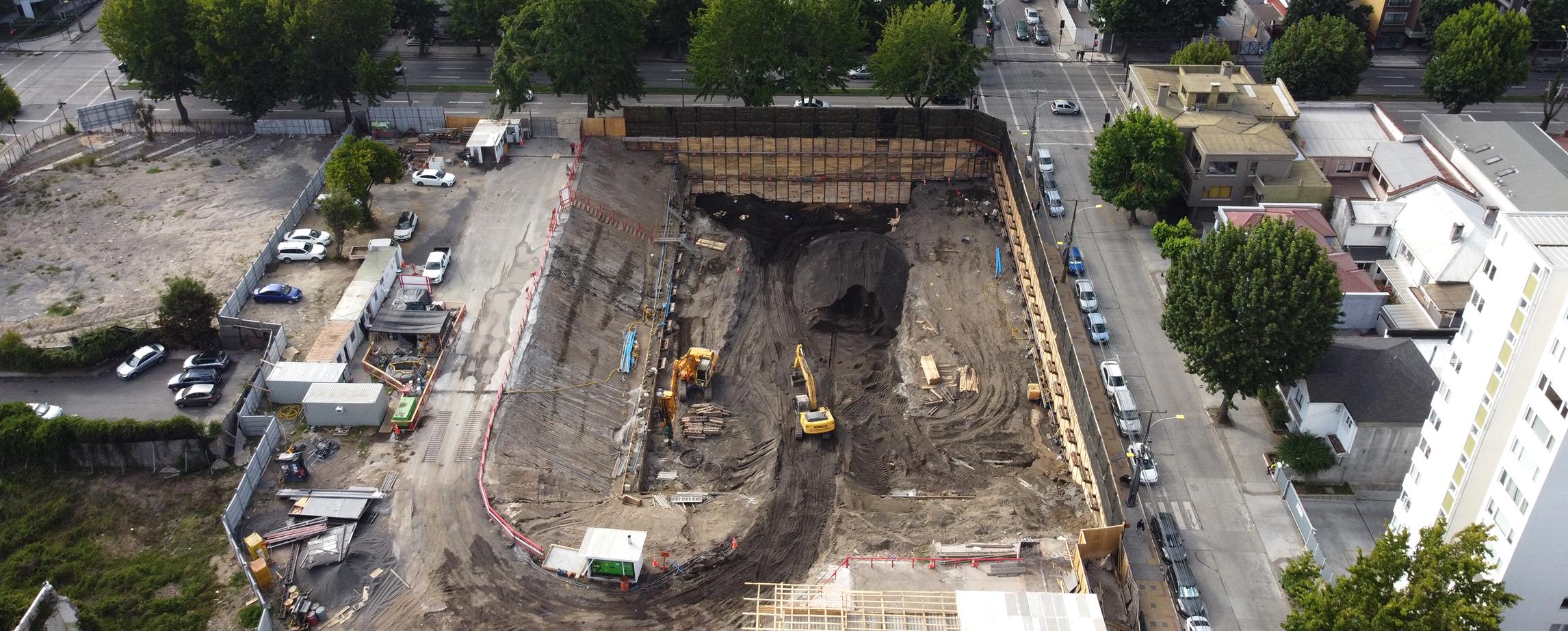 Contención de la excavación con Muro Berlinés, Av. Chacabuco, Concepción